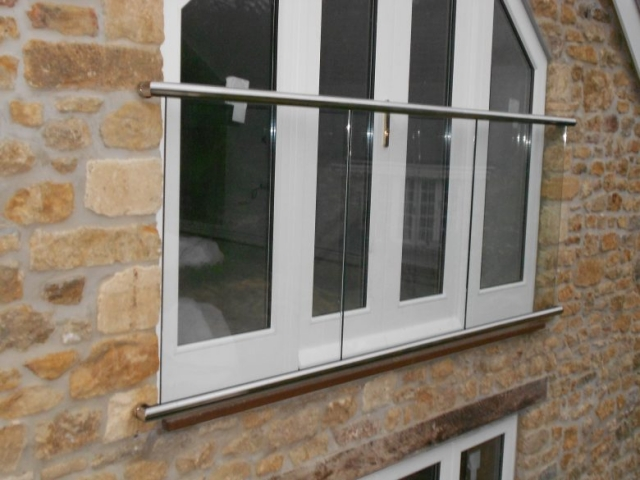 Stainless Steel and Glass Juliet Balcony