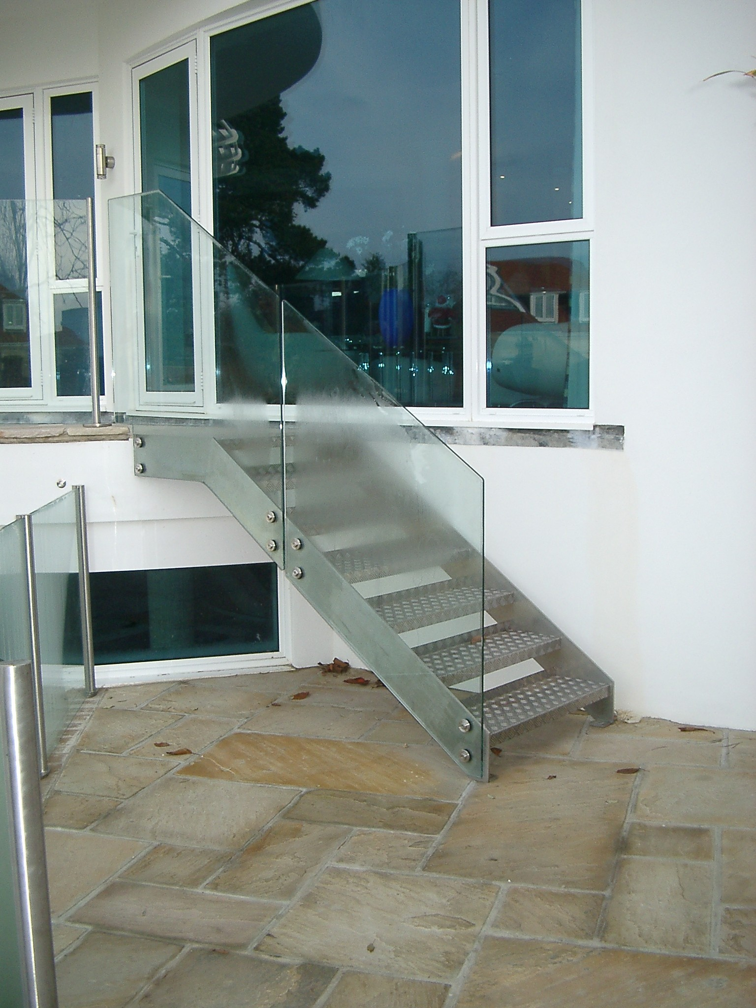Outside Steel Staircase Frameless Glass Balustrade